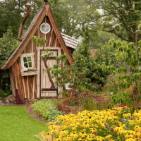 Gartenhütte in Form eines Hexenhauses