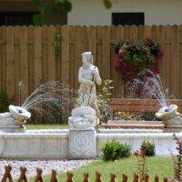Neptun im Gartenbrunnen