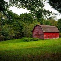 Scheune im großen Garten