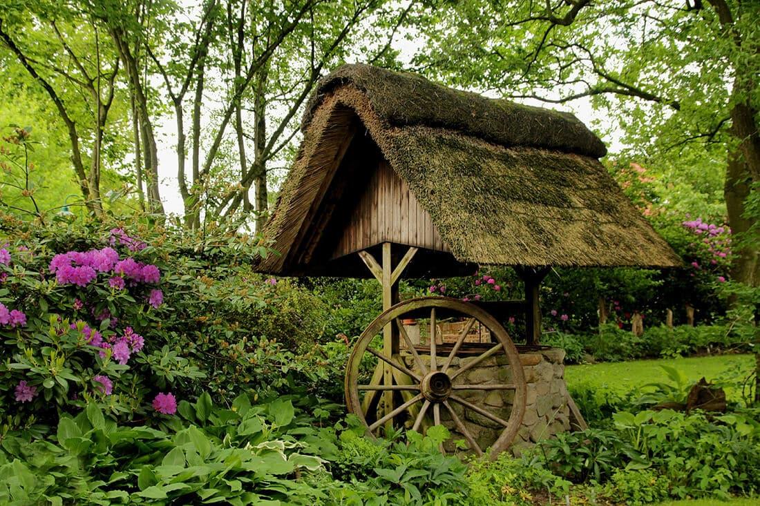 Zierbrunnen aus Holz