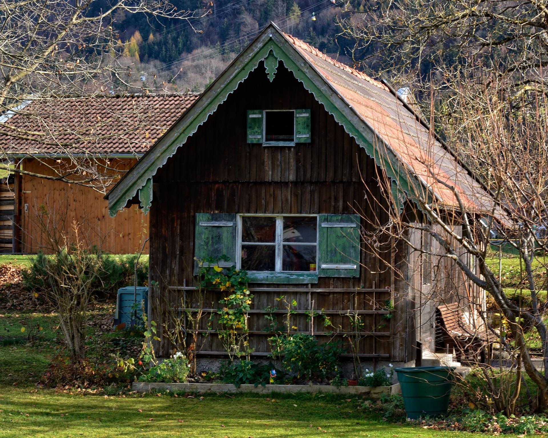 gartenhaus_fenster_klein_giebel
