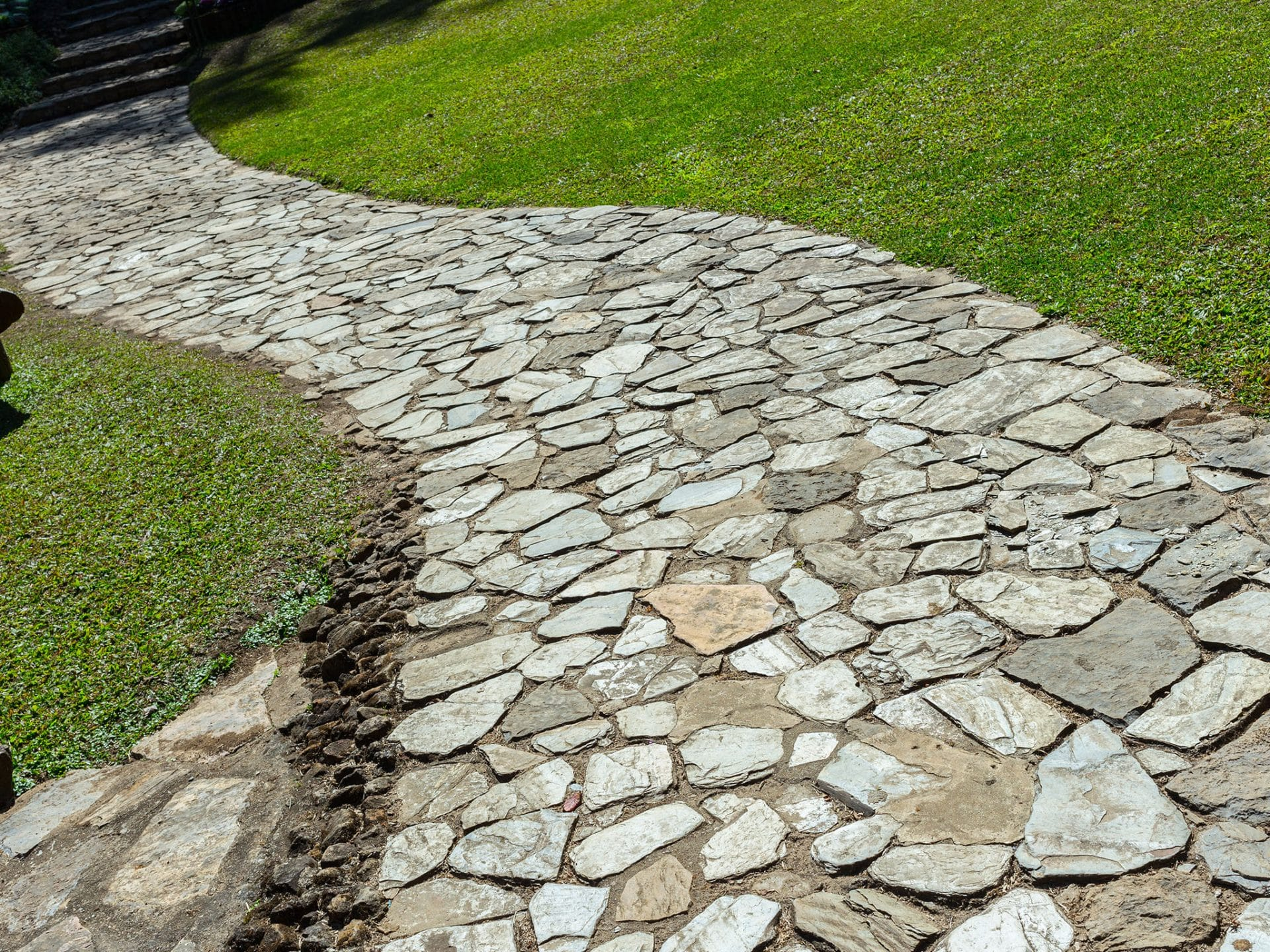 Fabulous Gartenweg anlegen & gestalten | Ideen mit Kies, Pflastersteinen & Co. OZ49
