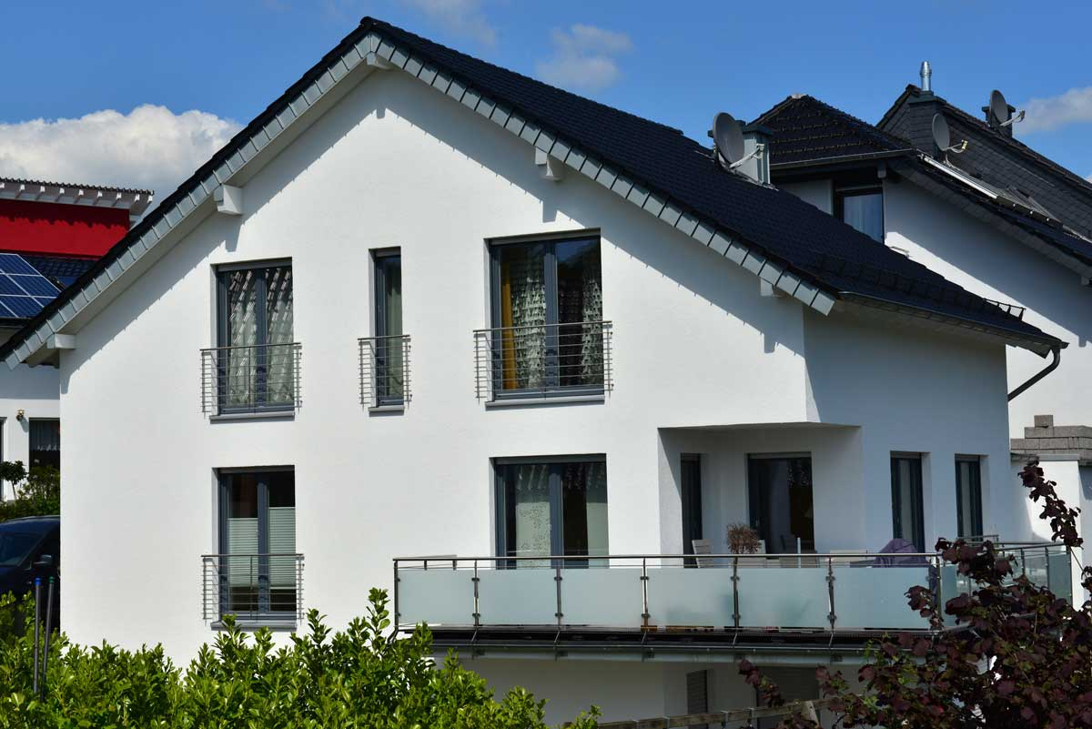 Sichtschutz für den Balkon aus Glas
