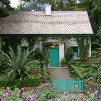 landhausgarten_kleines_haeuschen