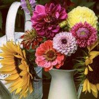 Blumenstrauß in einer Kanne