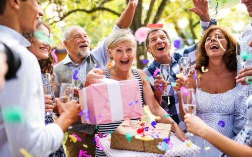 400+ Geburtstagswünsche – lustige  kurze & liebe Geburtstagswünsche für Männer  Frauen & Co. + WhatsApp-Grüße