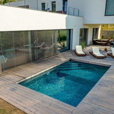 Kompakter GfK-Pool für luxuriöses Anwesen
