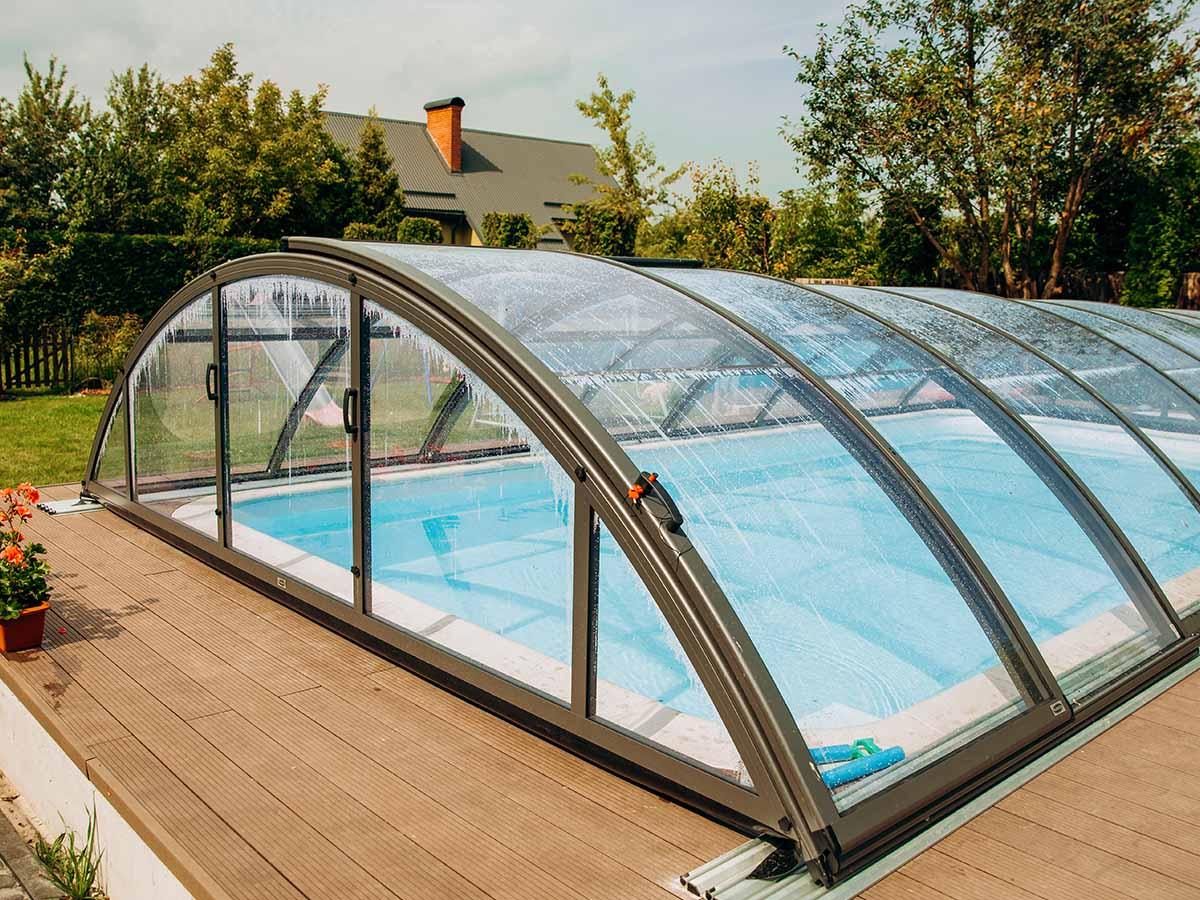 GfK-Pool mit Glas-Abdeckung