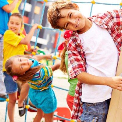 Spielplätze bringen Kinder zusammen