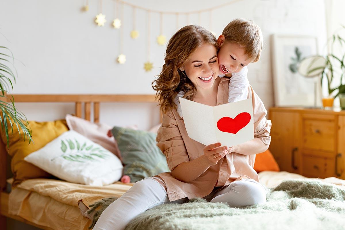 Mutter freut sich über liebevolle Geburtstagsnachricht von Tochter