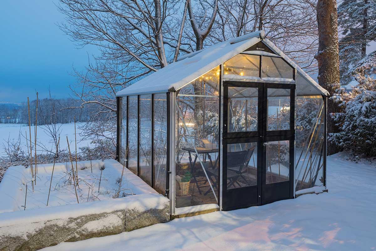 Gewächshaus im Winter