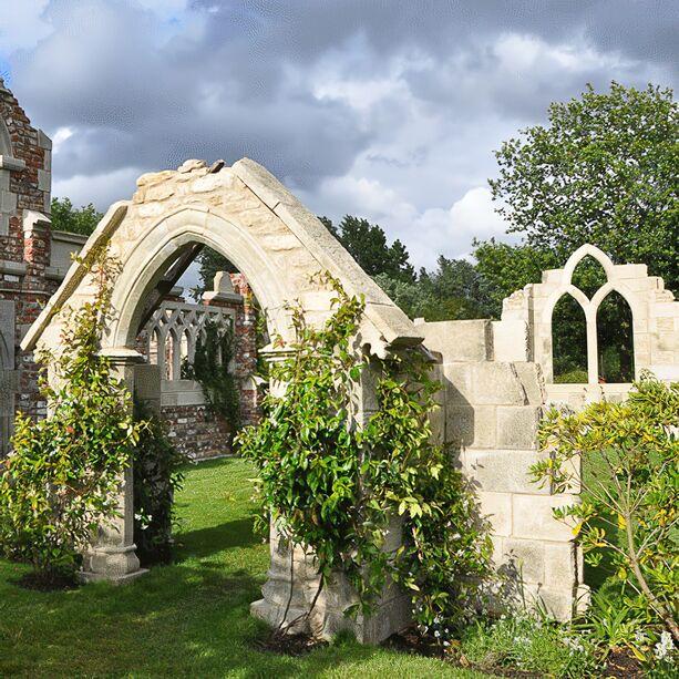 deko garten steinruine chamrose church. Black Bedroom Furniture Sets. Home Design Ideas