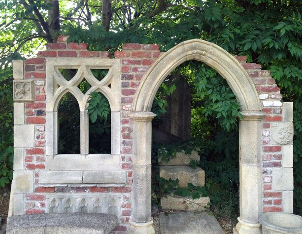 garten stein ruine aus england hawkesbury castle. Black Bedroom Furniture Sets. Home Design Ideas