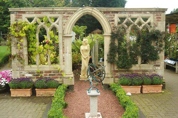 Deko garten stein ruine whitestone abbey for Stein deko garten