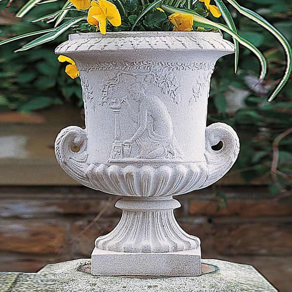 Große Blumenvase große blumenvase historisch berkeley castle gartentraum de