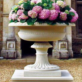 Pflanzgefäß aus Steinguss - Tudor Hall