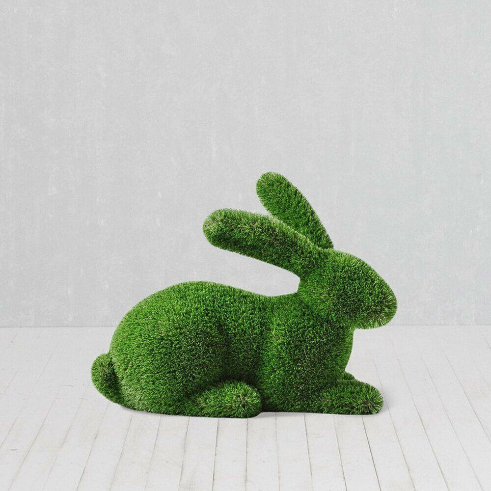 liegender hase als gartenfigur - topiary