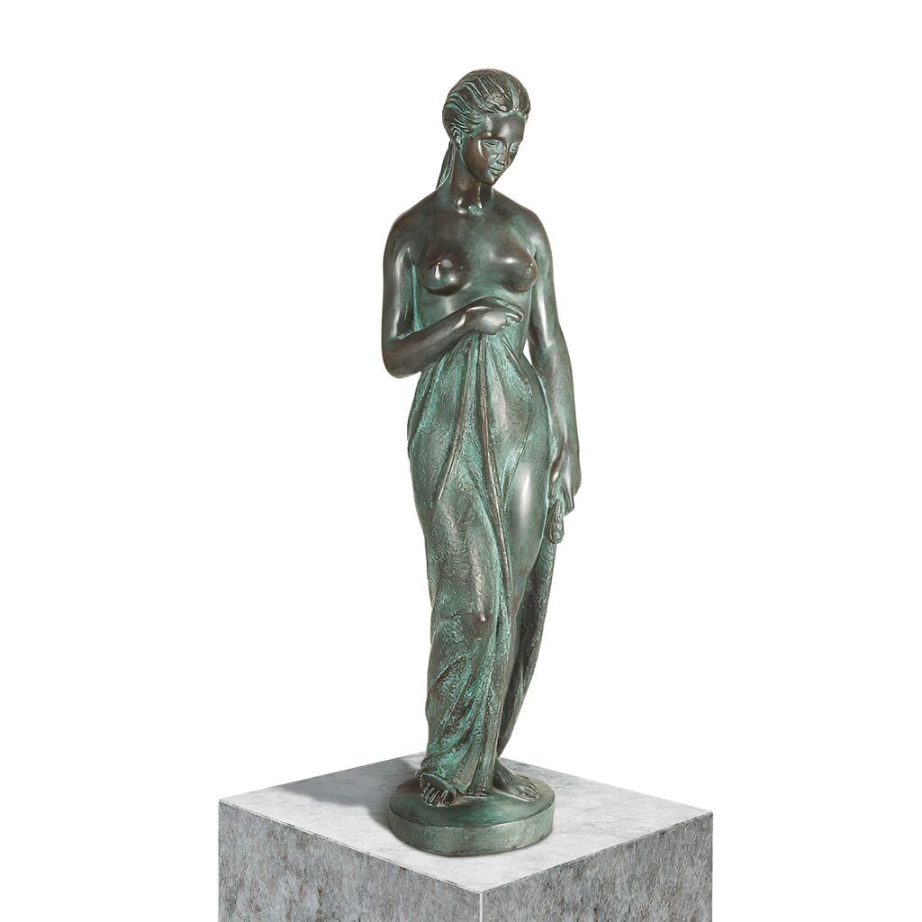 Bronze Frau-Aktskulptur mit grüner Patina - Nach dem Bade