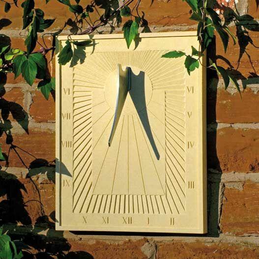 moderne wand sonnenuhr aus stein arkadia. Black Bedroom Furniture Sets. Home Design Ideas