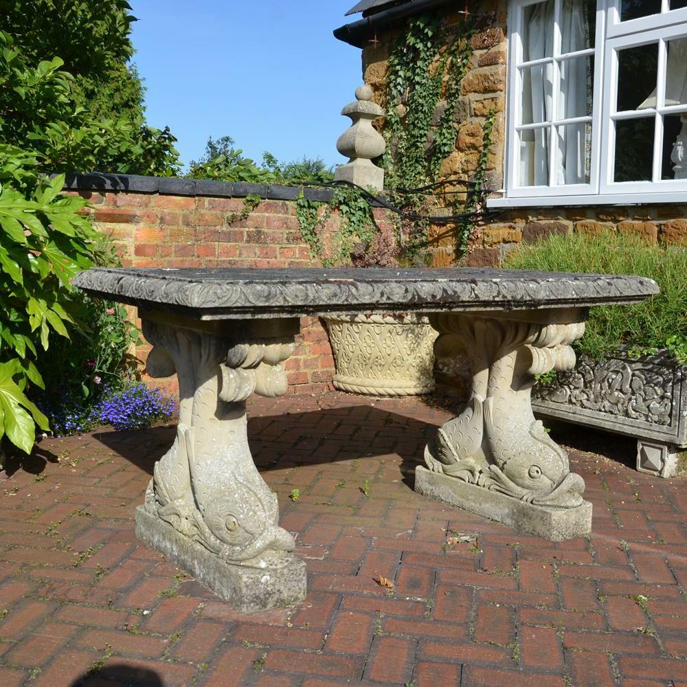 Kräuter Für Den Garten: Antiker Steintisch Für Den Garten