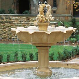 Gartenbrunnen aus Steinguss - Harleyford Manor