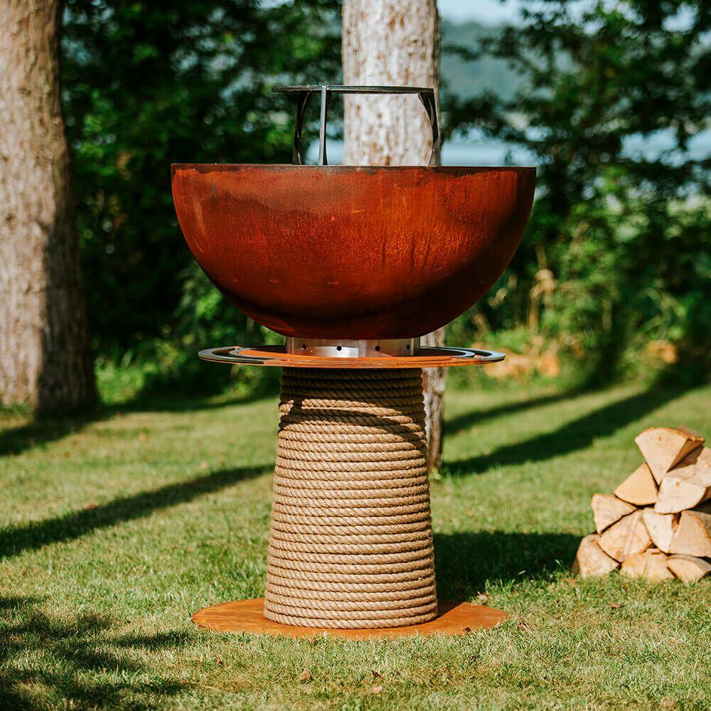 Rostfarbener Barbecue Grill von Masuria für den Garten aus Stahl - Juno Grill / 106x80cm (HxDm) / nein