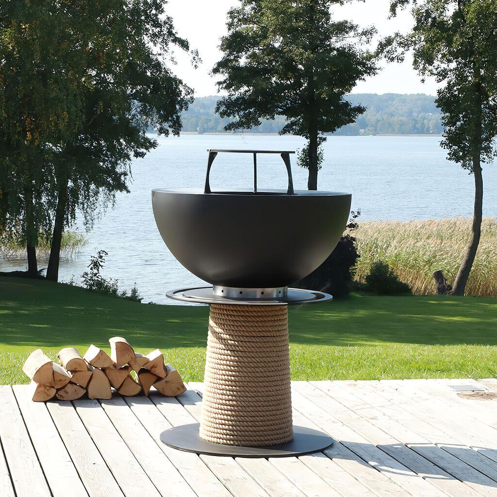 Runder Säulengrill von Masuria aus Stahl für den Garten in schwarz - Juno Grill / 106x80cm (HxDm) / nein