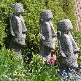 Moai und Tiki Steinkopf als Gartenfigur