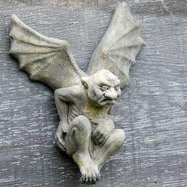 Gargoyle Figur aus Steinguss - Perceval