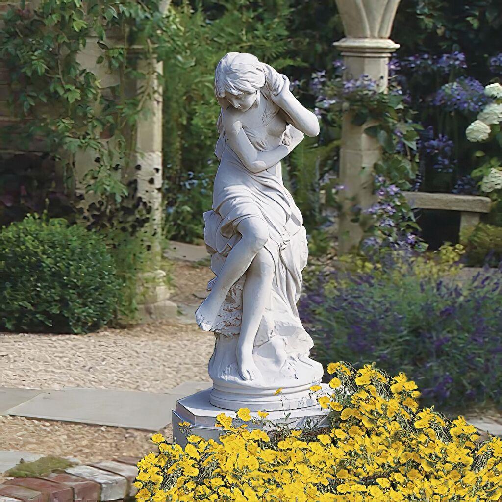 Historische Venus Skulptur aus Stein / Terrakotta