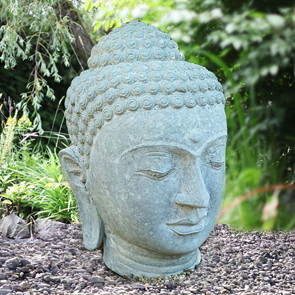 Besonderer Buddha Steinkopf für den Garten   Gartentraum.de