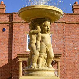 Gartenbrunnen aus Steinguss - Ragazzo