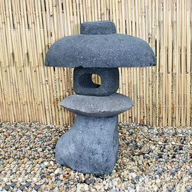 """Steinfigur """"Fujimoto"""" - Japanische Laterne für den Garten"""