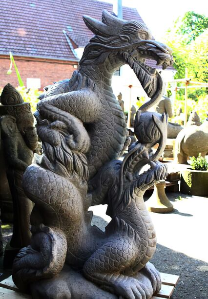 gro e garten drachen draco steinfigur. Black Bedroom Furniture Sets. Home Design Ideas