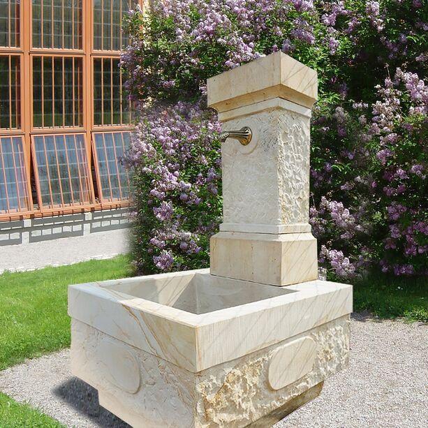 gartenbrunnen classico aus sandstein. Black Bedroom Furniture Sets. Home Design Ideas
