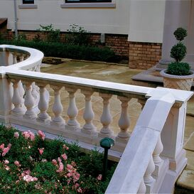 """Balustrade """"Centrado"""" Geländer aus Steinguss in weiß, beige oder terrakotta"""